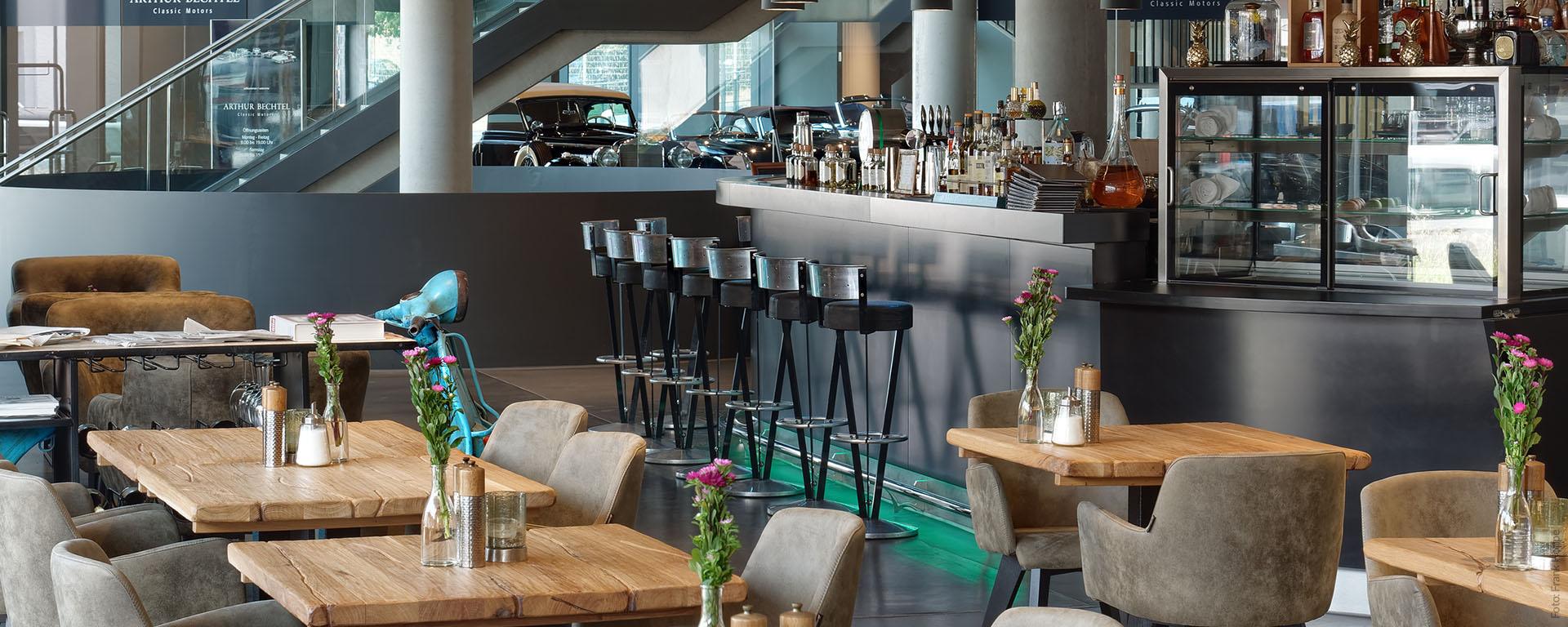 """V8 HOTEL """"PICK-UP"""" Restaurant & Bar bietet Neue Deutsche Küche mit gutbürgerlichen Klassikern"""