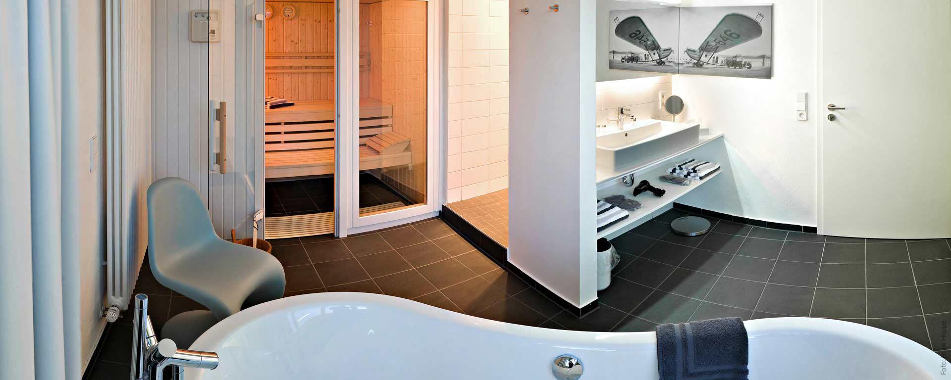Kurzurlaub und Wellness im V8 Hotel Designhotel Böblingen Übernachten Sie z.B. in unserer Suite mit privater Sauna.