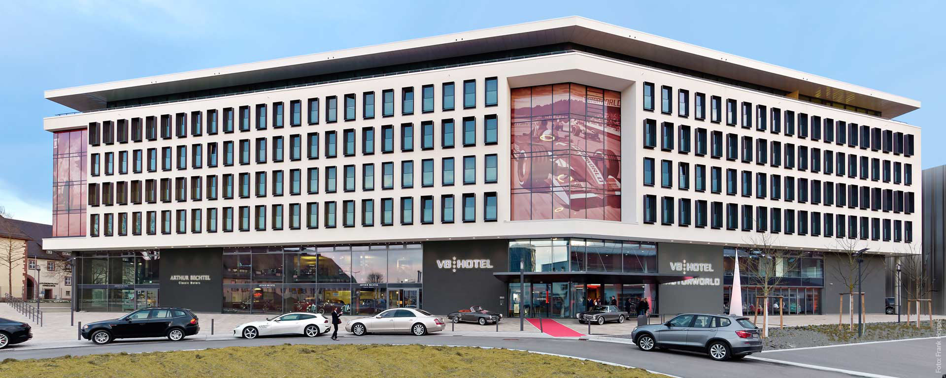 Buchen Sie Ihre Unterkunft, Übernachtung, Zimmer, B&B, Bed and Breakfast Direkt im V8 HOTEL Böblingen/ Sindelfingen (BB), Region Stuttgart.